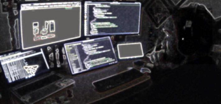 david albiol con varias pantallas